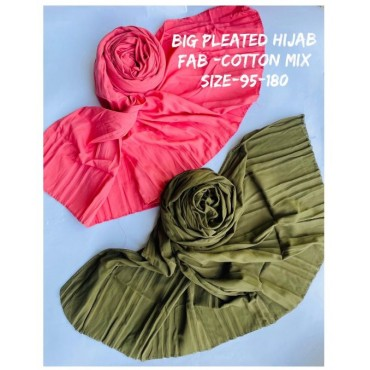 Big pleated hijab