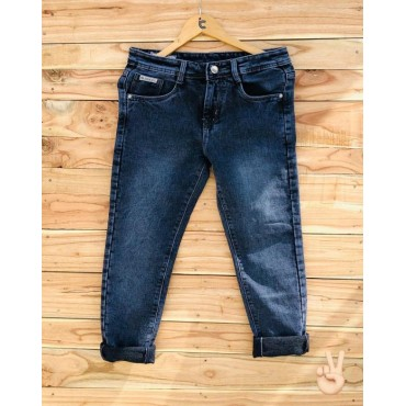 <h3><strong>Jeans for Men's</strong></h3><br> <p>   </p>         <p>this product will be not returnable</p>
